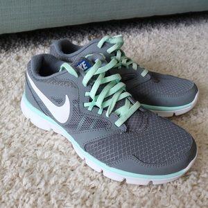 Nike Gray Running Tennis Shoes